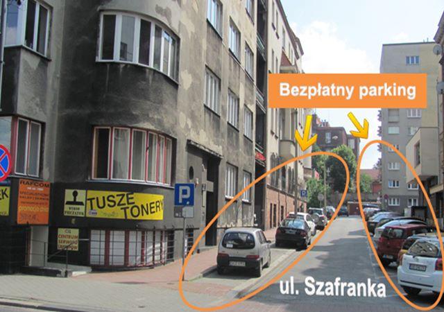 Bezpłatny parking przy serwisie